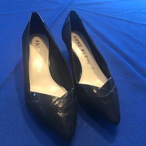 Anne Klein kitten heels dress shoes